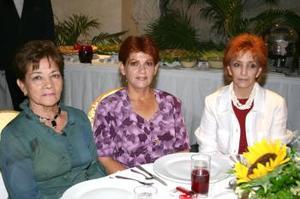 <u><b> 20 de Junio </u> </b><p>    Vicky de Sierra, Argentina Sierra y Lilia de Sierra.