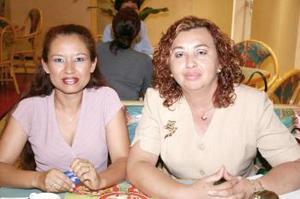 Juanita de Palau y Diana Yadira Moreno.