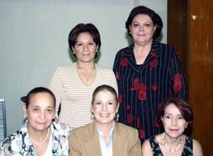 <u><b> 21 de Junio </u> </b><p>    Tita Rivera de Ortiz, Margarita de la Peña de Saracho, Ana María Navarrete de la  Mora, Claudia Villagómez Cordero y Mary Saborit de Ortiz, en pasado acontecimiento social