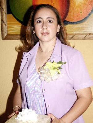 Susana Elena Montañez del Rivero, captada en su despedida de soltera