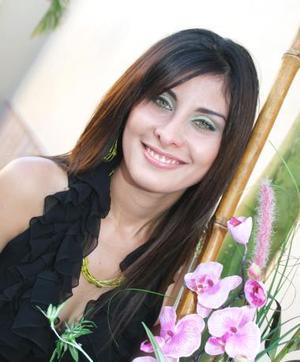<u><b> 23 de Junio </u> </b><p>    Lisette Díaz Moreno, en su despedida de soltera.