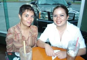 Jannett Torres y Yadira Montaño.
