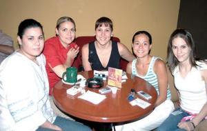 Magda Bernal, Carmen María Santibáñez, Brenda de Haro, Cecilia de Reyes y Margarita Chiffer