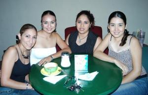Mayela Castellanos, Valeria Correa, Fabiola Vega y Lucero Cano