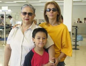 Alicia Martínez viajó a Cancún y fue despedida por Marilú y Daniel.