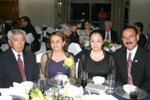 Antonio Lee Cháirez, Karina Chibli de Lee, PErlita Lee de Pérez y Antonio Pérez Vázquez.