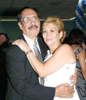 Othón Fierro Martínez y Martina Elva Loera.