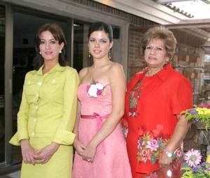 Mariana en compañía de MAruza García Ortiz y Alma Milán de Manjarrez