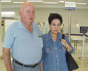 Ángel Treviño y Alicia Calderón viajaron a la Ciudad de México.