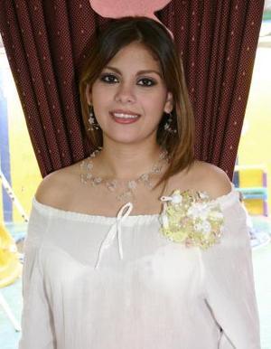 <u><b> 26 de Junio </u> </b><p>  Katia Ramos Tello de Orona disfrutó de una fiesta de canastilla.