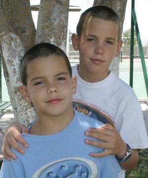 Manolo y Pablo Sesma.