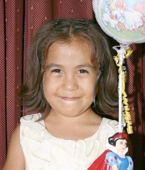 Abigail Vázquez Rivera en su convivio de cumpleaños.