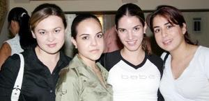 Isabel, Priscila, Ana Lucía y Tily.