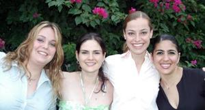 Roberta Batarse acompañada por un grupo de amigas, en la última despedida de soltera que le ofrecieron por su boda con Gilberto Sánchez Nogueira.