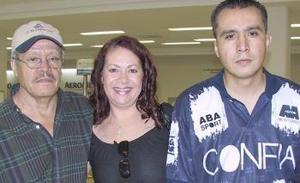 <u><b> 26 de Junio </u> </b><p>   Leila de Silva y Leonardo Buenrostro viajaron a Brasil, los despidió Leonardo Buenrostro