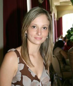 L Alma Cristina Garza Islas disfrutó de una despedida de soltera pro su próxima boda.