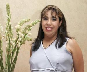 <u><b> 27 de Junio </u> </b><p> Virginia del Rosario Hernández Rojo recibió sinceras felicitaciones, en la fiesta de canastilla que ofrecieron al bebé que espera.