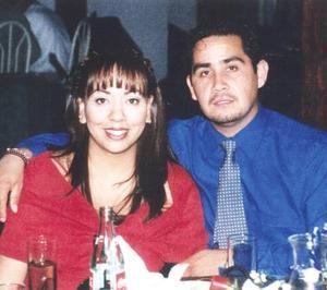 Sandra Fernández y Edson Villaseñor, en pasado acontecimiento social.