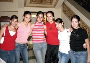 Marce, Elena, Sofía, Pau, Katia y Ale.