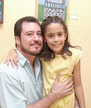 Alfonso Urrutia y su hija Laura.