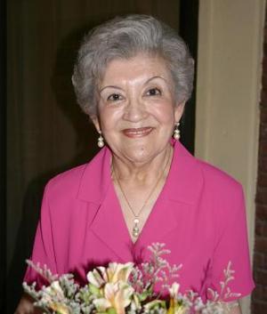 María Elena Cháirez de González, captada en su cumpleaños.