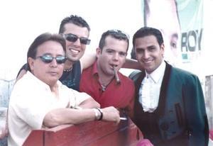 <u><b>27 de Junio </u> </b><p>  Sergio Lindan, Larry Bianco, Javier Aguilera y Jorge MAta, captados en pasado festejo social.