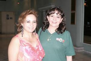 Irma Requenes y Leticia García.
