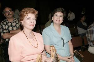 Magdalena Moreno y Patricia de Puente.