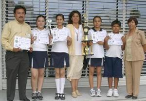 Alumnos de la Escuela Presidente Alemán, del municipio Francisco I. MAdero Coahuila..jpg