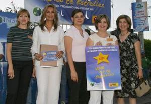 Claudia Estrada de Gómez, Nora González de Escalante, Sonia González de Aguirre, Anabel Garza de Madero y Lety Ávila de González, representantes de Nace Laguna..jpg