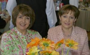 Teresa García de Herrera y Norma de Garza..jpg