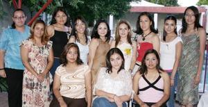 Ana Lizeth Cobarrubias Huízar acompañada por un grupo de amistades, en la despedida de soltera que le ofrecieron por su cercano enlace matrimonial con Sergio Caldera Rodarte a celebrarse en próximas fechas.
