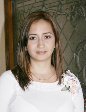 <u><b> 30 de Junio </u> </b><p>  Mónica Cortés Govea, captada en su despedida de soltera.