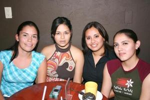 Candy Codina, Adriana Corral, Ana Jiménez y alba Vázquez