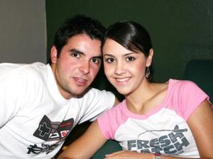 <i><u>01 de julio</i></u><p> Roberto Tueme y Paulina Giacomán