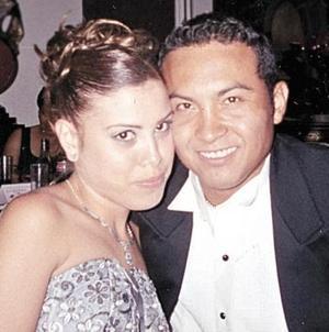 Ivett Adriana Flores Solís y Kuan Fernanado de López Ubillo.