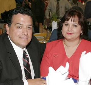 <u><i> 03 de julio </u></i><p>   Rodolfo Romo y Bertha de Romo.