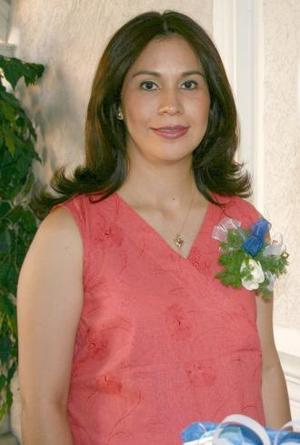 <u><i> 03 de julio </u></i><p>   Hortensia Martínez de Aranda recibió sinceras felicitaciones, en su fiesta de canastilla.