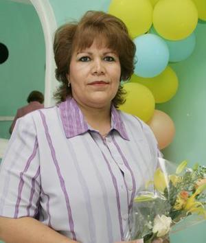 Guillermina Ulloa de Rodríguez celebró su cumpleaños, con una amena reunión que le ofreció su esposo Abelardo Rodríguez.