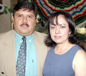 <i><u>03 de julio</i></u><p>  Tomás Cossío y Sandra Torres.