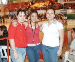 Karla Edith Agüero, Ma. Dolores Núñez y diana Alejandra Olvera.