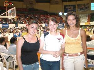 Laura Balderas, Ana Sofía Balderas y Ana Víctoria Vallejo.