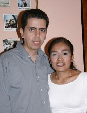 Luis Gerardo Pulido festejó su cumpleaños en días pasados, con una agradable merienda organnizada por Sulema Cortés.