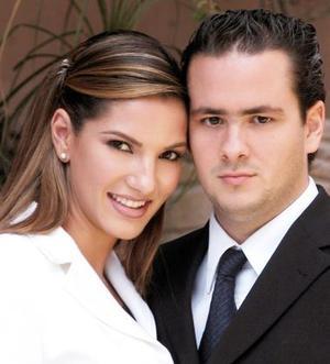 Sr Guillermo Alberto Humphrey Tueme y Srita. Ana Lucía Fernández Lavín efectuaron su presentación religiosa, el viernes cuatro de junio de 2004.