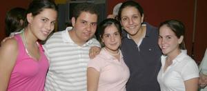 Maryfer Bustos, Alejandro de la Garza, Bárbara Madero, Anna Cristina Calderón y Natalia Madero.