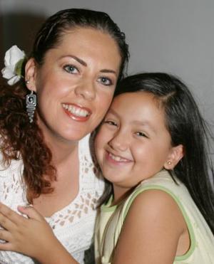 Adriana de Aguilera y su hija Natalia Aguilera.
