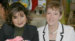 Rosa María H. de Herrera y Luz María de Russek.