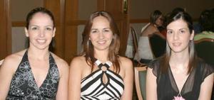 Alejandra de Russek, Ana Lucía Mart{inez y Vanessa de Allegre.