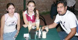 Georgina Martínez, Laurdes Duarte Sustaita y Arturo Chávez.