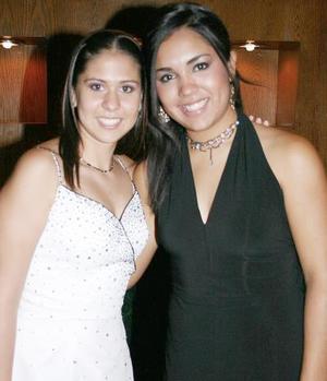 Karla y Arely Gómez.
